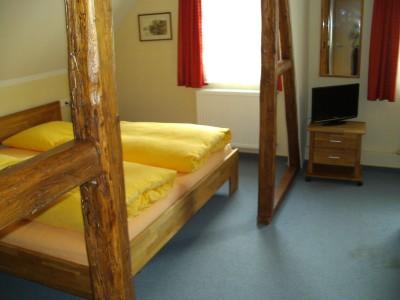 Zimmer3.400x300-crop.JPG
